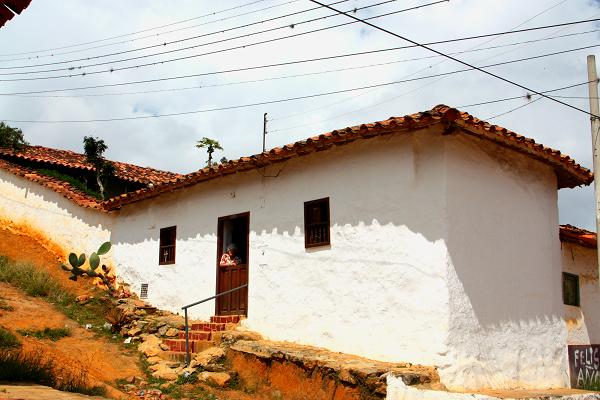 La Cámara de Comercio de Bucaramanga exaltó la mejor fachada colonial y cuadra jardín en Zapatoca